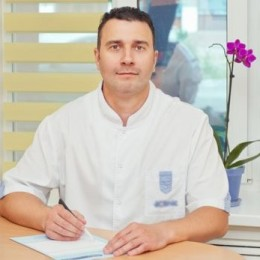 Врач Федоришин Родион Петрович